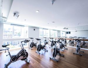 The fitness centre and/or fitness facilities at California Suites