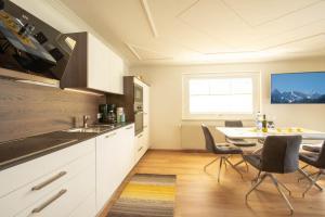 Küche/Küchenzeile in der Unterkunft Ferienwohnung - Bergblick - Vandans
