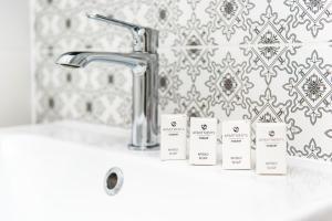 Vonios kambarys apgyvendinimo įstaigoje Bed&Bath Boulevard Apartments