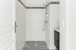 Salle de bains dans l'établissement Dieppe Front De Mer