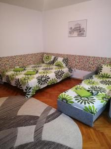 A bed or beds in a room at Try the Central Felling