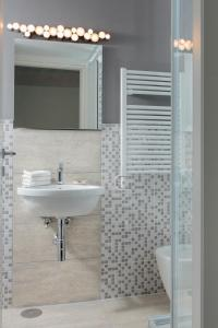 A bathroom at Margana Tower