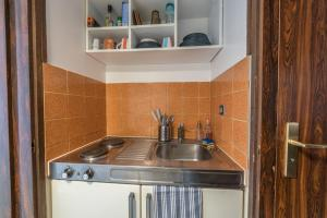 A kitchen or kitchenette at Studio L'Orange