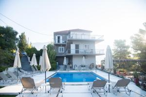 The swimming pool at or near Pessada Bay Studios and Apartments