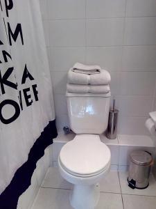 Un baño de Rukaza Lastarria Apartments