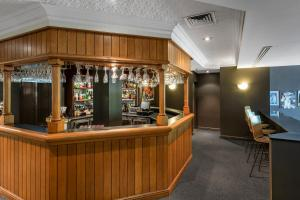 The lounge or bar area at Nesuto Pennant Hills (formerly Waldorf Pennant Hills Apartment Hotel)