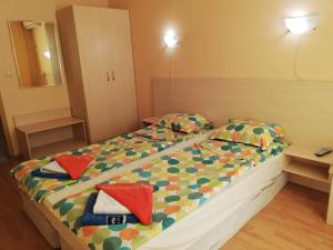 A bed or beds in a room at Harmony Hills**** LaMi