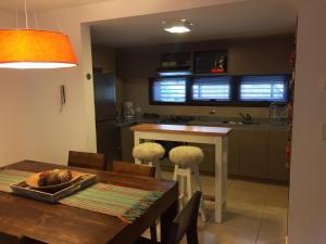 Una cocina o kitchenette en Calderon