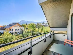 A balcony or terrace at Welkeys - Villa Herminie Apartment