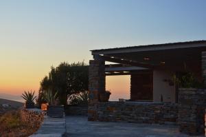 Solopgangen eller solnedgangen set fra villaen