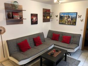 Ein Sitzbereich in der Unterkunft Ferienwohnung Aretsried