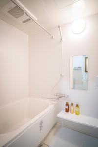 A bathroom at KYOSTAY Iroha Utsugi