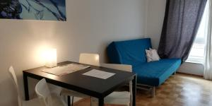 Svetainės erdvė apgyvendinimo įstaigoje Berlin Holiday Apartments near Central Station