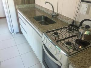 Una cocina o zona de cocina en residencial esmeralda