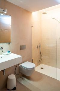 A bathroom at Hello Lisbon Baixa Ouro Apartments