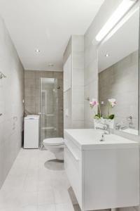 Salle de bains dans l'établissement Forenom Serviced Apartments Oslo Vika