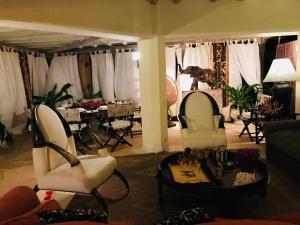 Et sittehjørne på Location location location in kenya