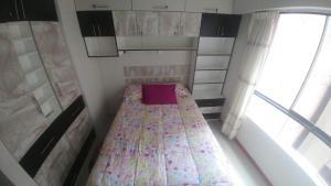 Cama o camas de una habitación en 2405 Avenida de la Cultura