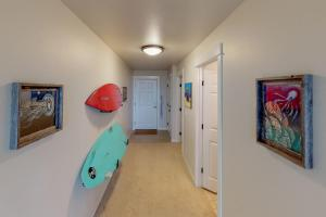 A television and/or entertainment center at Surfer's Getaway