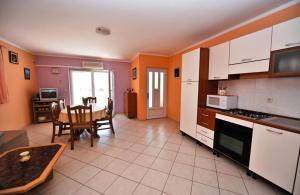 מטבח או מטבחון ב-Apartment Danka