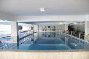 The swimming pool at or near Flat209 Veredas Rio Quente Particular