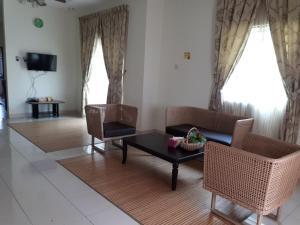 Ruang duduk di Qaseh Homestay