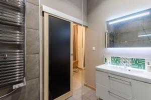 A bathroom at Hôtel Particulier - Bordeaux St Jean