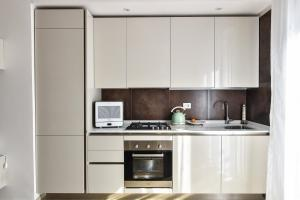 A kitchen or kitchenette at My way Residence