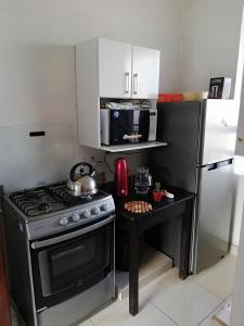 Una cocina o zona de cocina en Mario's apartment