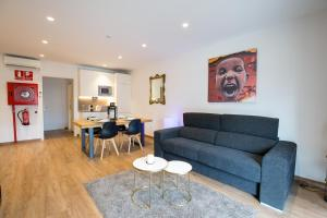 A seating area at Fira Barcelona El Prat Aeropuerto Apartment