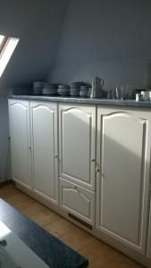 A kitchen or kitchenette at Raisa Apartments Fünkhgasse