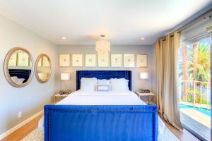 A bed or beds in a room at Thorndale Estate