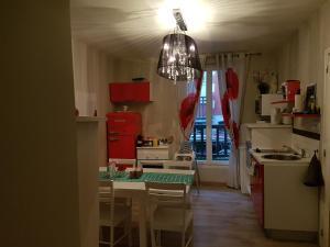Cuisine ou kitchenette dans l'établissement Home St. Germain