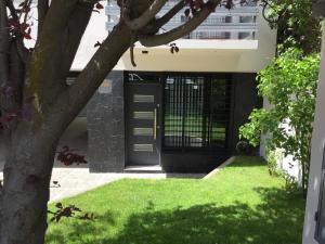 Un jardín fuera de Studio Belgrano