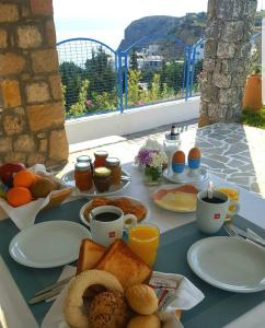 Breakfast options available to guests at Bella Vista Stegna