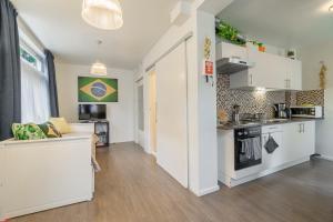 Küche/Küchenzeile in der Unterkunft Bos en Lommer Hotel - Erasmus Park area