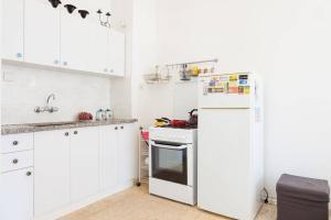 A kitchen or kitchenette at Ashdod Mediterranean