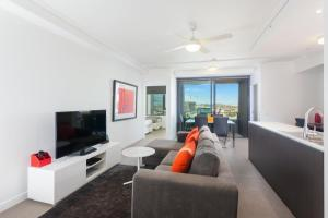 A seating area at Keeping Cool on Connor - Executive 2BR Fortitude Valley apartment with pool and views