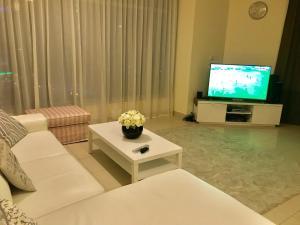 A television and/or entertainment centre at Park Island, Dubai Marina