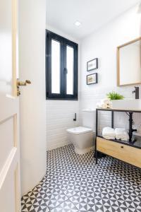 Ein Badezimmer in der Unterkunft Your Apartment In Atocha