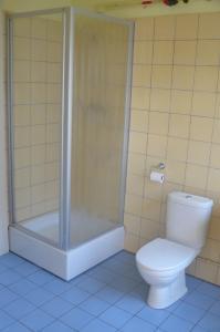 Een badkamer bij Amsterdam Beach Apartment