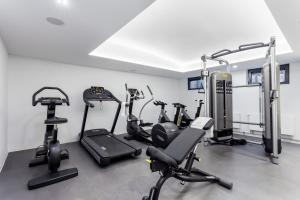 The fitness centre and/or fitness facilities at VISIONAPARTMENTS Frankfurt Gutleutstrasse