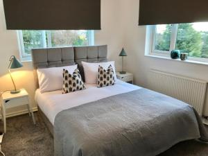 A bed or beds in a room at 11 Carelton Road
