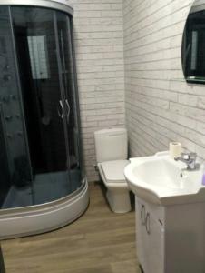 A bathroom at Bungalow on Bannoye Lake