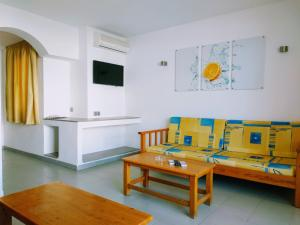 A seating area at Apartamentos Jet - Adults Only