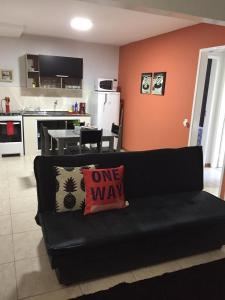 A seating area at Apartamento Cantinho da Serra