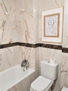 A bathroom at Mïlú Guesthouse