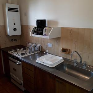Una cocina o kitchenette en Departamentos Bezbel - Mariska