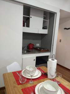 A cozinha ou cozinha compacta de Silvia´s Studio