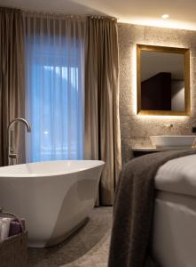 A bathroom at SISSI SUITES | luxury apartments | Mayrhofen